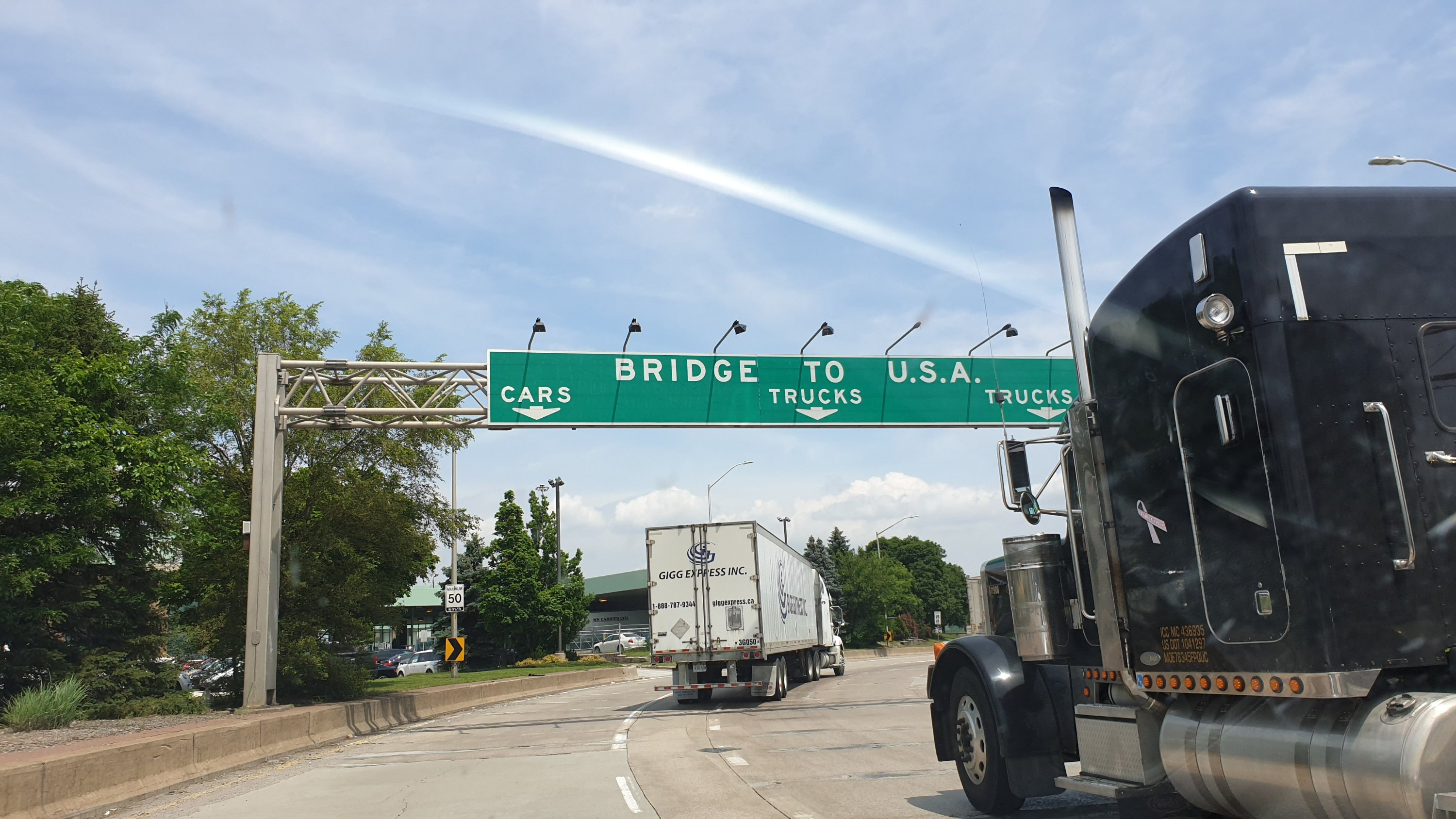 Border sign to USA from Canada at Ambassador Bridge