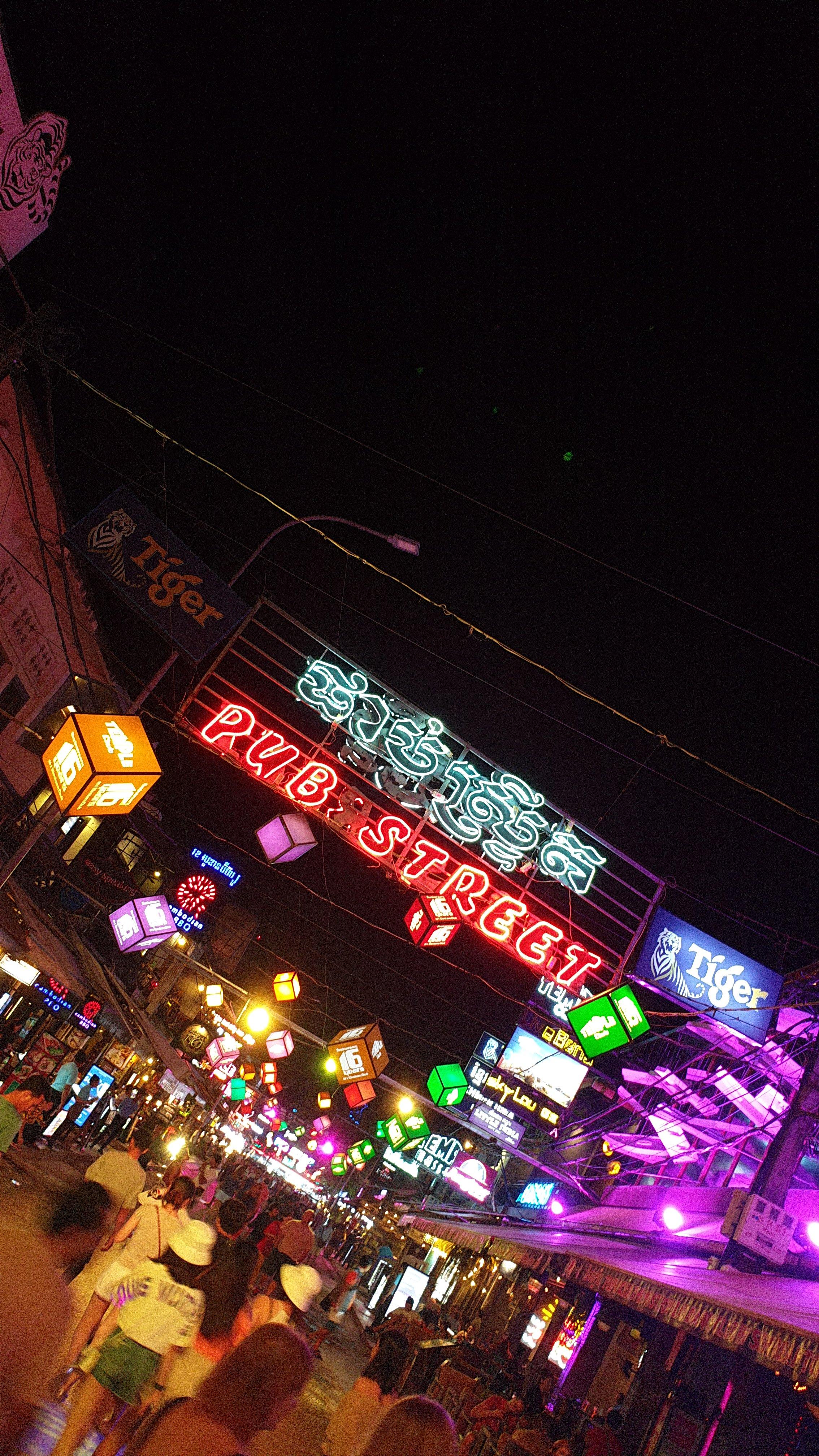 Pub Street in Siem Reap at night